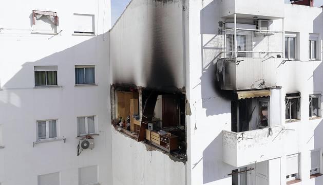 Dos personas han resultado heridos en una explosión de gas en una vivienda en Zaragoza, el primero grave con quemaduras en el 40 por ciento del cuerpo.