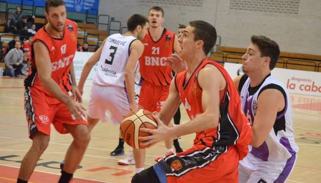 Imagen del partido Basket Navarra-Gandía.