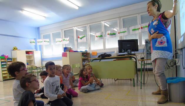 Imagen de una clase en el Colegio Público Nuestra Señora del Rosario, de Sartaguda, uno de los 108 que imparten el PAI.