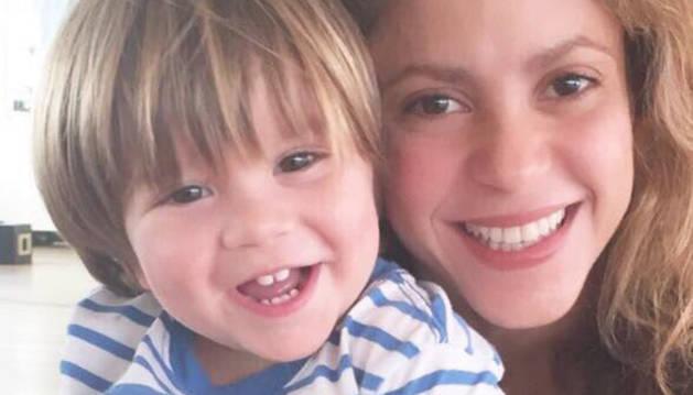 Shakira y su hijo Sasha.