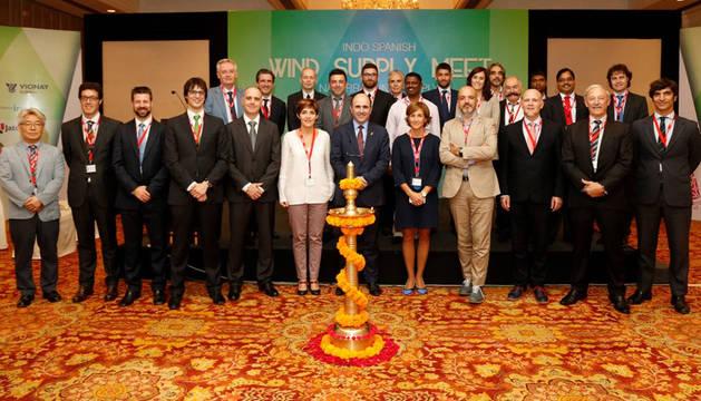 foto de la delegación navarra en India para cerrar acuerdos comerciales en el sector eólico