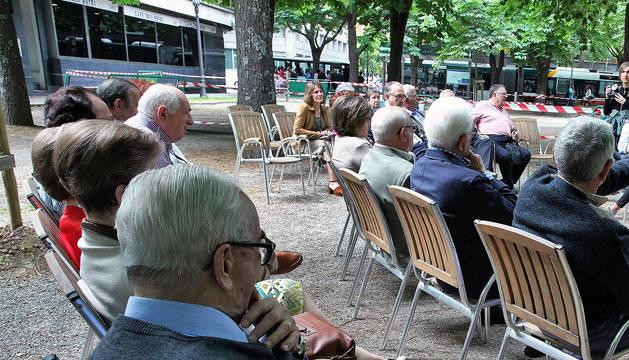 Un grupo de pensionistas en Pamplona.