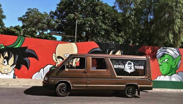 El coche fúnebre de 'Ripper Tours'.
