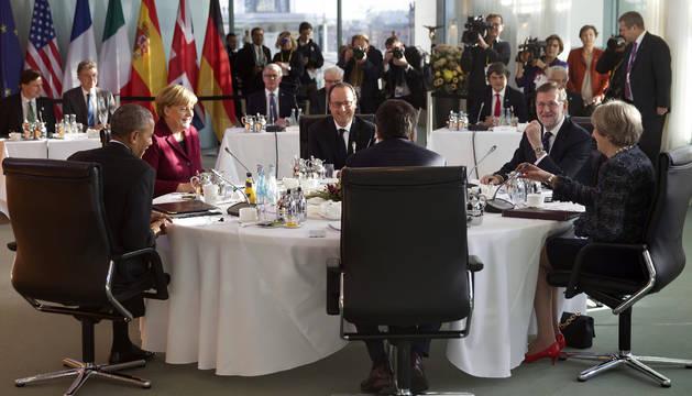Foto de Mariano Rajoy, junto a Angela Merkel, François Hollande, Theresa May, Matteo Renzi y Barack Obama.