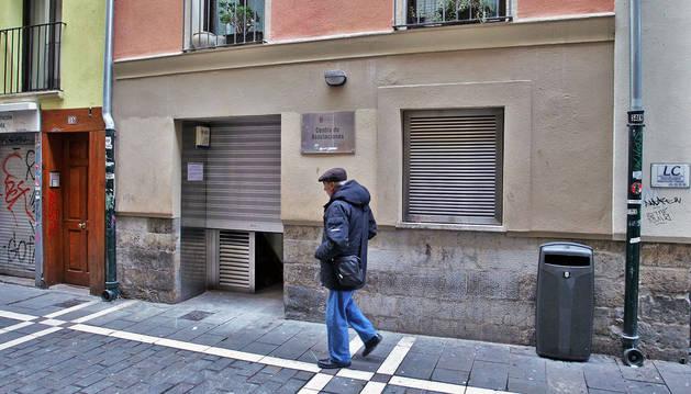 Imagen del antiguo Centro de Asociaciones, en la calle San Gregorio, se habilita como centro LGTBI del Ayuntamiento de Pamplona.