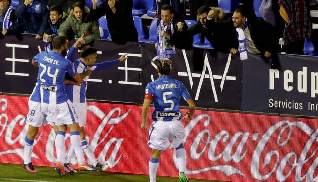 Los jugadores del Leganés celebran el 1-0.