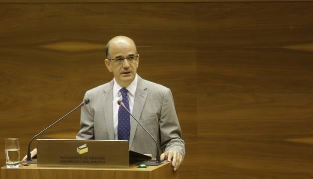 Alberto Catalán, en el Parlamento navarro.