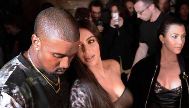 Kanye West, junto a Kim Kardashian.