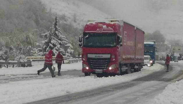 Miércoles marcado por el frío, la nieve y la lluvia en Navarra