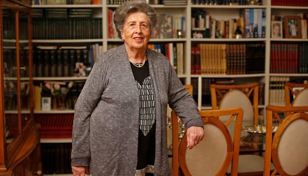 Mª Dolores Santesteban 'Tola', esta semana en su casa del Ensanche de Pamplona.