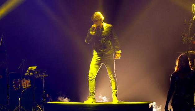 El cantante venezolano Carlos Baute, durante el concierto que ofreció en Pamplona.