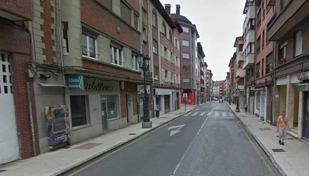Un niño de 21 meses, muy grave tras caer desde un cuarto piso en Oviedo