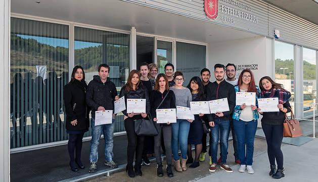 Los nuevos diplomados en la escuela taller de Hostelería de Estella.