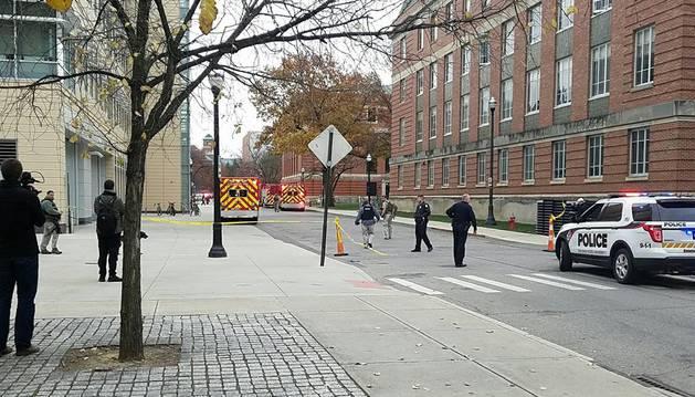Un tiroteo en la Universidad Ohio State deja 9 heridos y al sospechoso abatido