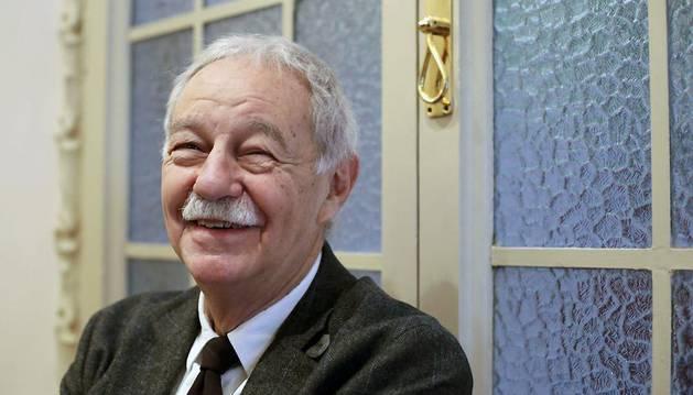 El escritor catalán Eduardo Mendoza, en la presentación de su quinta novela, 'El secreto de la modelo extraviada'.