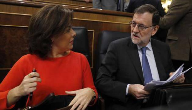 Mariano Rajoy y Soraya Sáenz de Santamaría en la sesión de control al Gobierno.