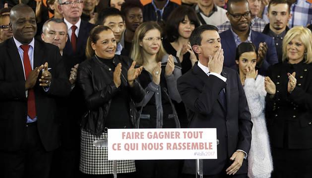 Valls declara su candidatura a presidir Francia y anuncia su dimisión