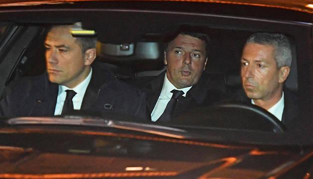 Matteo Renzi seguirá en el cargo hasta aprobar los presupuestos