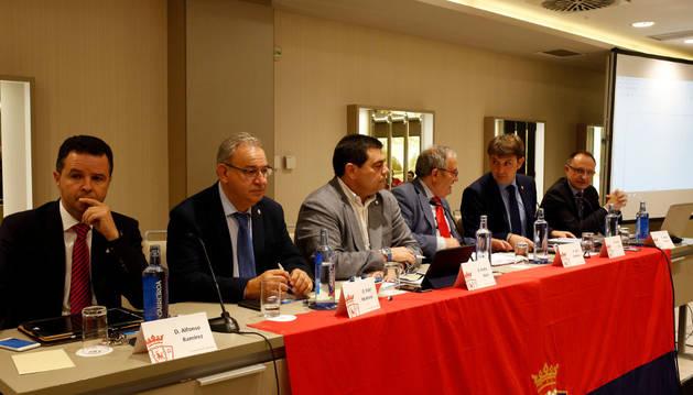 De izquierda a derecha, Alfonso Ramírez, Fidel Medrano, Pedro Baile, Luis Sabalza, Txuma Iso y Ángel Ardanaz.