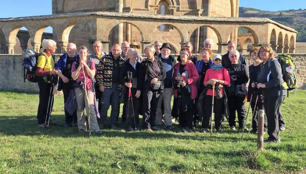 Los peregrinos alemanes, en su etapa entre Pamplona y Puente la Reina pararon en la ermita de Eunate.