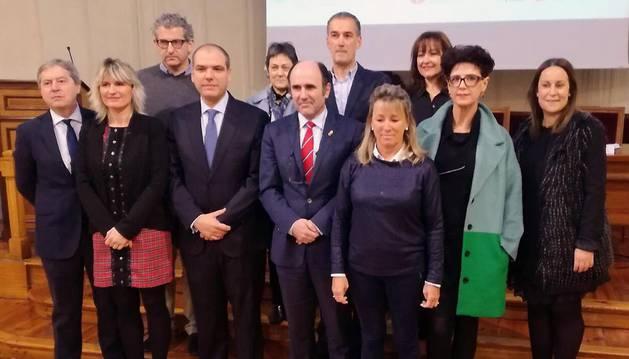 Participantes en la presentación del clúster médico-sanitario.