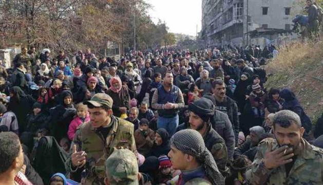 Evacuación de civiles en Alepo.