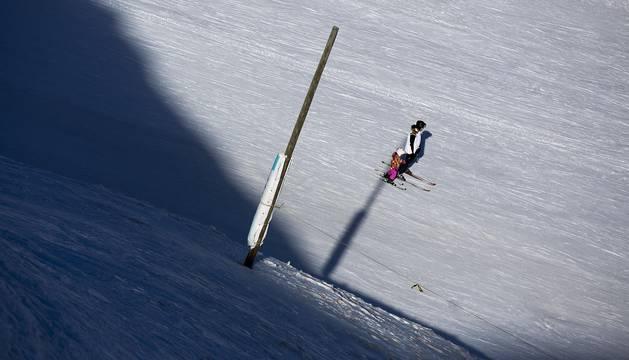 La temporada de esquí comenzó temprano y con más kilómetros esquiables que en otros años para Astún y Candanchú.
