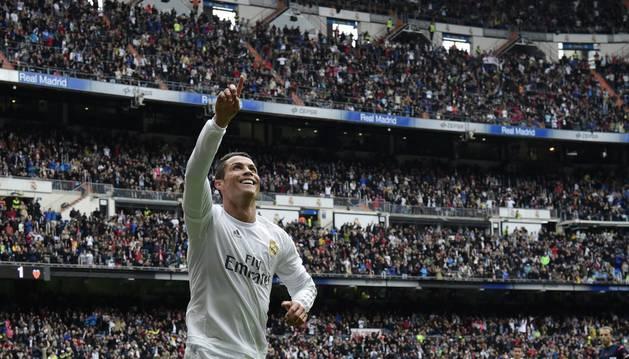 Ronaldo celebra un gol