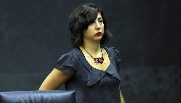 Laura Pérez (Podemos), en el Parlamento.