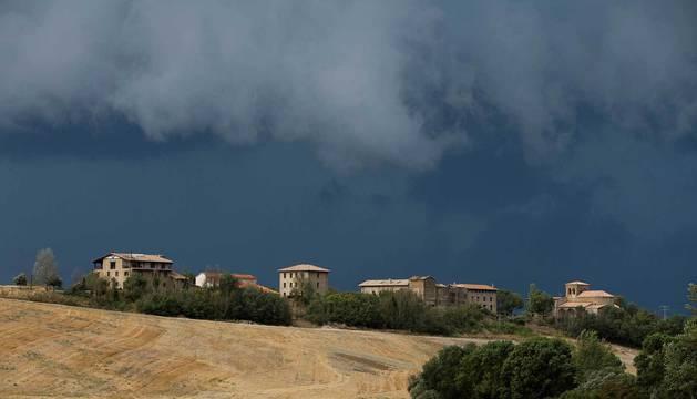 Nubes sobre el pueblo de Zolina.