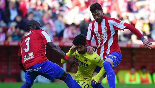 El Villarreal sigue lanzado a costa de un débil Sporting