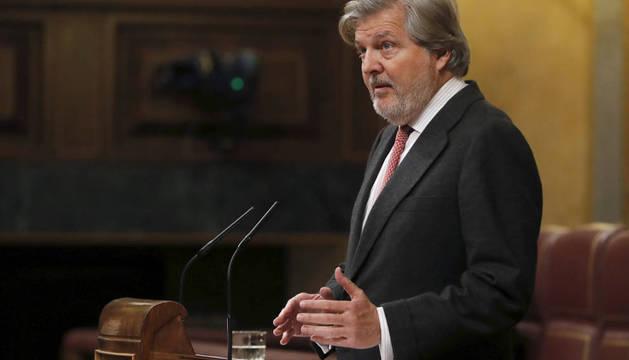 El ministro de Educación, Cultura y Deportes, Íñigo Méndez de Vigo, durante su intervención en la sesión de control al Gobierno.