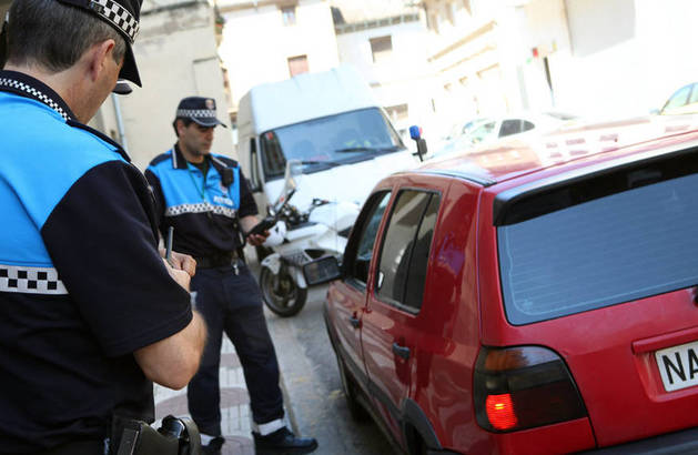 Un agente de policía municipal en una imagen de archivo.