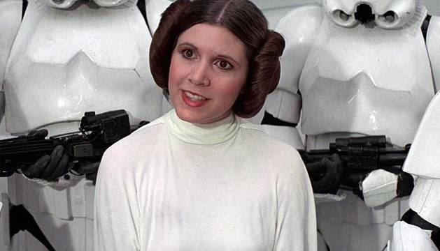 La actriz Carrie Fisher, caracterizada como la princesa Leia en la saga de Star Wars.