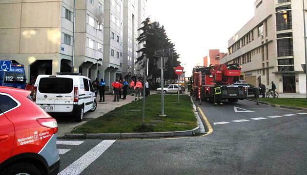 Tres pisos desalojados por un fuego en Barañáin