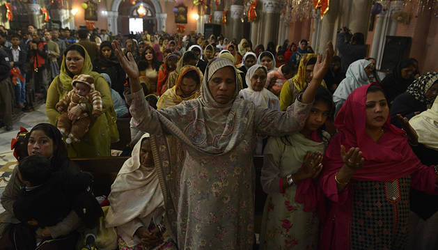 El alcohol adulterado causa al menos 20 muertes en Pakistán