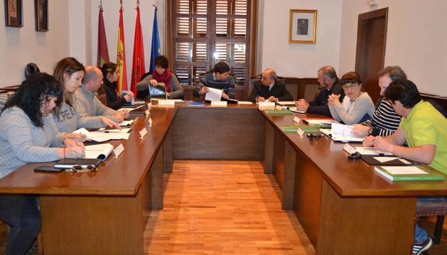 Pleno celebrado ayer en Lodosa, el último del año, que se dedicó a los presupuestos y a la plantilla orgánica.