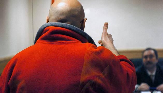 El etarra Ignacio Javier Bilbao Goikoetxea, 'Basur', durante el juicio contra él por amenazas a Baltasar Garzón, en febrero de 2015.