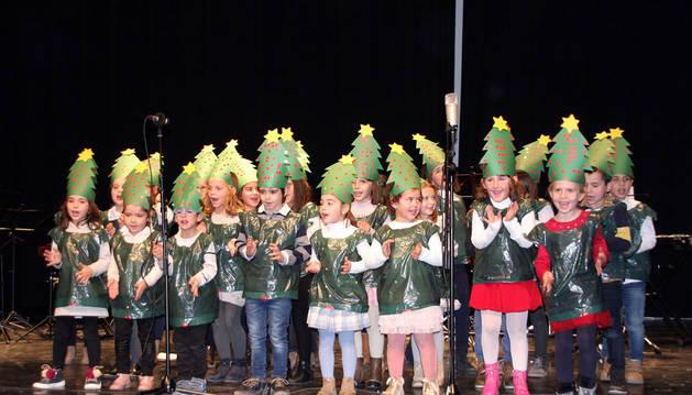 Imagen de un instante de una de las actuaciones del recital celebrado en Milagro.