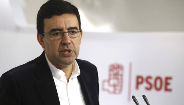 Imagen del portavoz de la Gestora del PSOE, Mario Jiménez