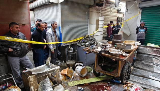 Al menos 28 muertos y 53 heridos por dos explosiones en Bagdad