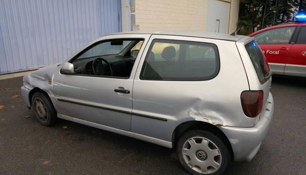 El coche del arrestado tenía signos de haber sufrido un accidente.