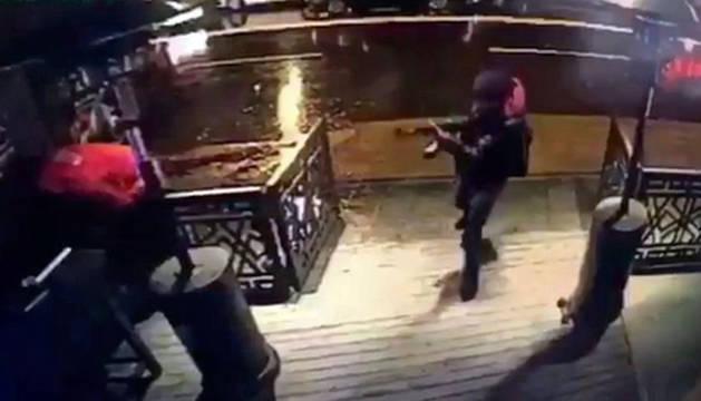 Fotos del atentado en una discoteca de Estambul