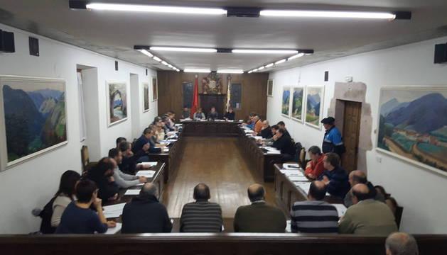 Imagen de la primera sesión del año de la Junta General de Baztan celebrada ayer.