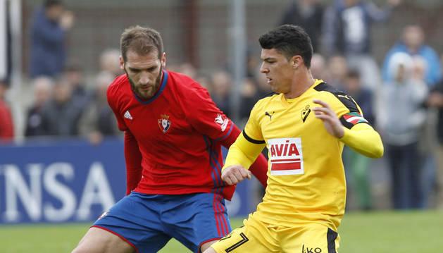 Fausto Tienza regresa a una alineación de Caparrós tras mucho tiempo