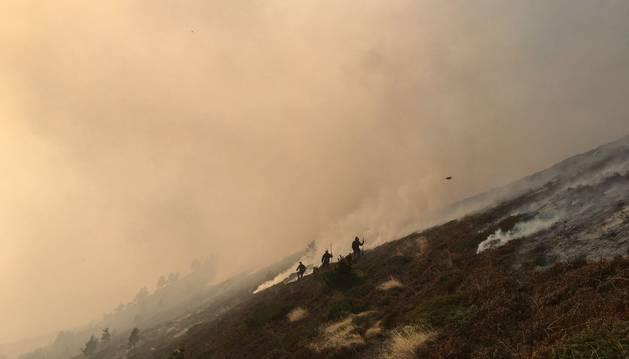 Incendio en el monte Lakora, en el valle de Belagua