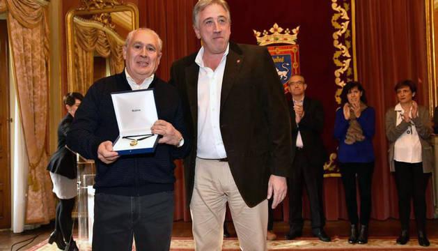 Entrega del Haba de Oro a la Fundación Ilundáin Haritz Berri
