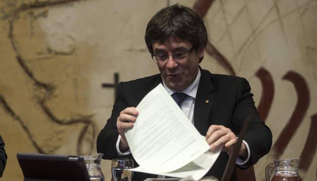 Imagen del presidente de la Generalitat, Carles Puigdemont, durante la primera reunión semanal del govern del año 2017