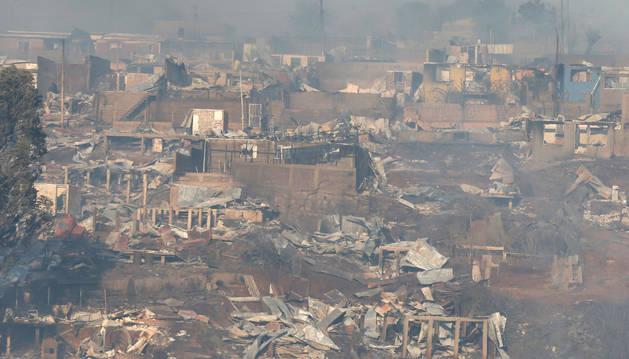 Casas arrasadas por el incendio en Valparaíso.