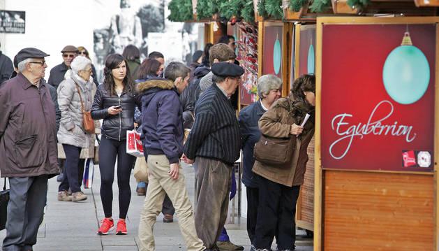 Foto de la feria de Navidad en la Plaza del Castillo de Pamplona.